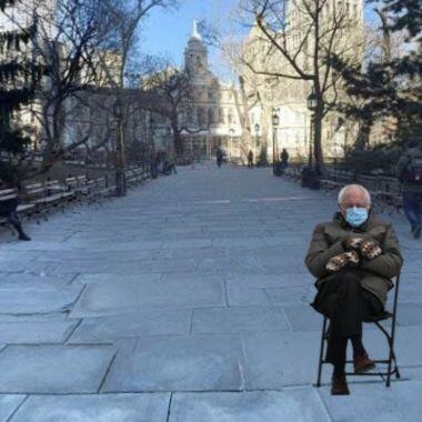 Google Maps tiene a Bernie Sanders sentado donde sea
