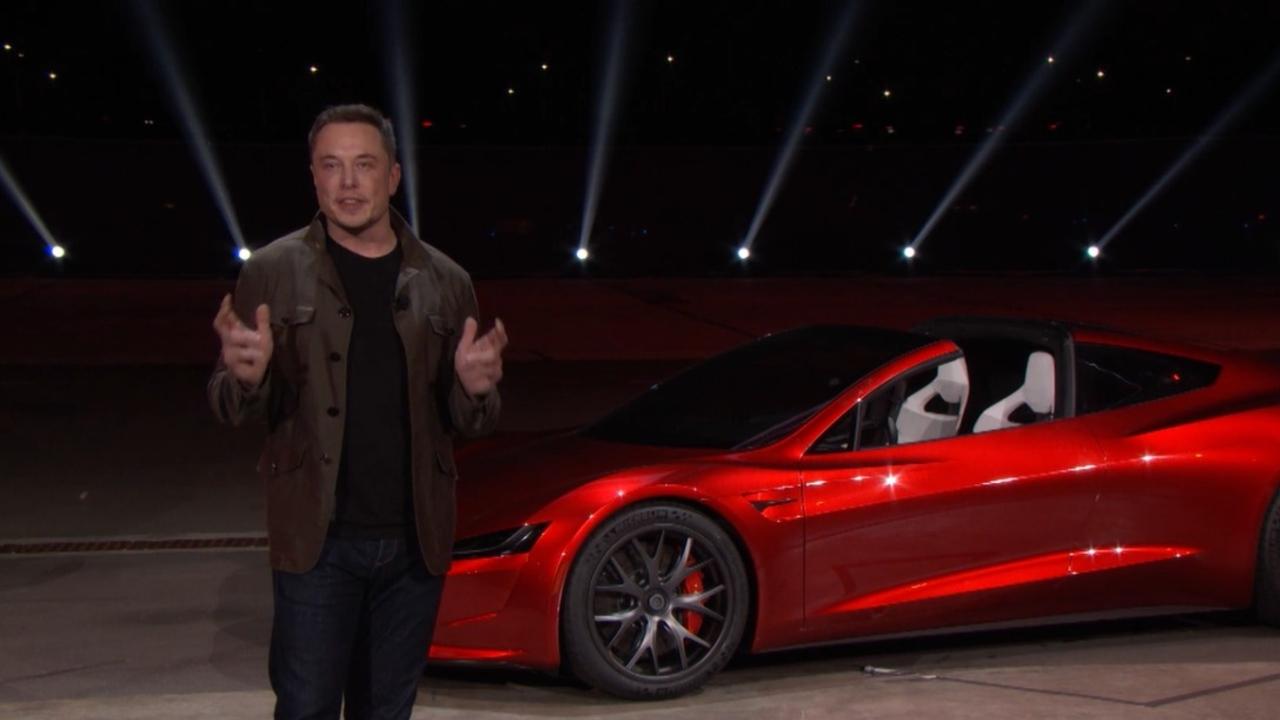 Elon Musk quiere hacer que el Tesla Roadster flote