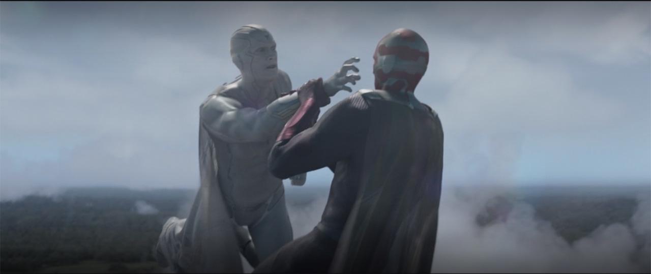 Vision pelea con Vision Blanca en WandaVision de Marvel