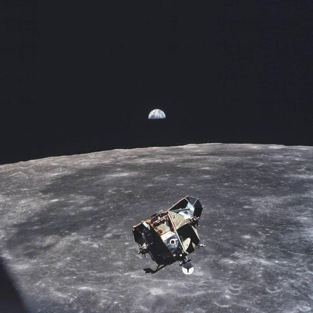 La épica foto que tomó Michael Collins en el espacio