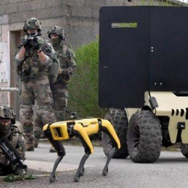 Boston Dynamics mandó a su perro a misiones del ejército francés.