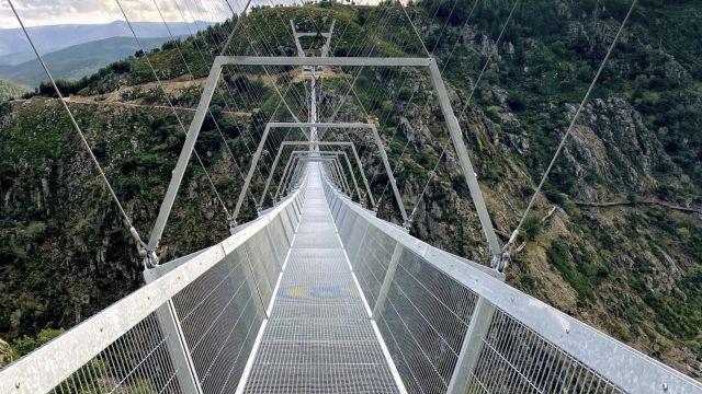 el puente colgante de portugal
