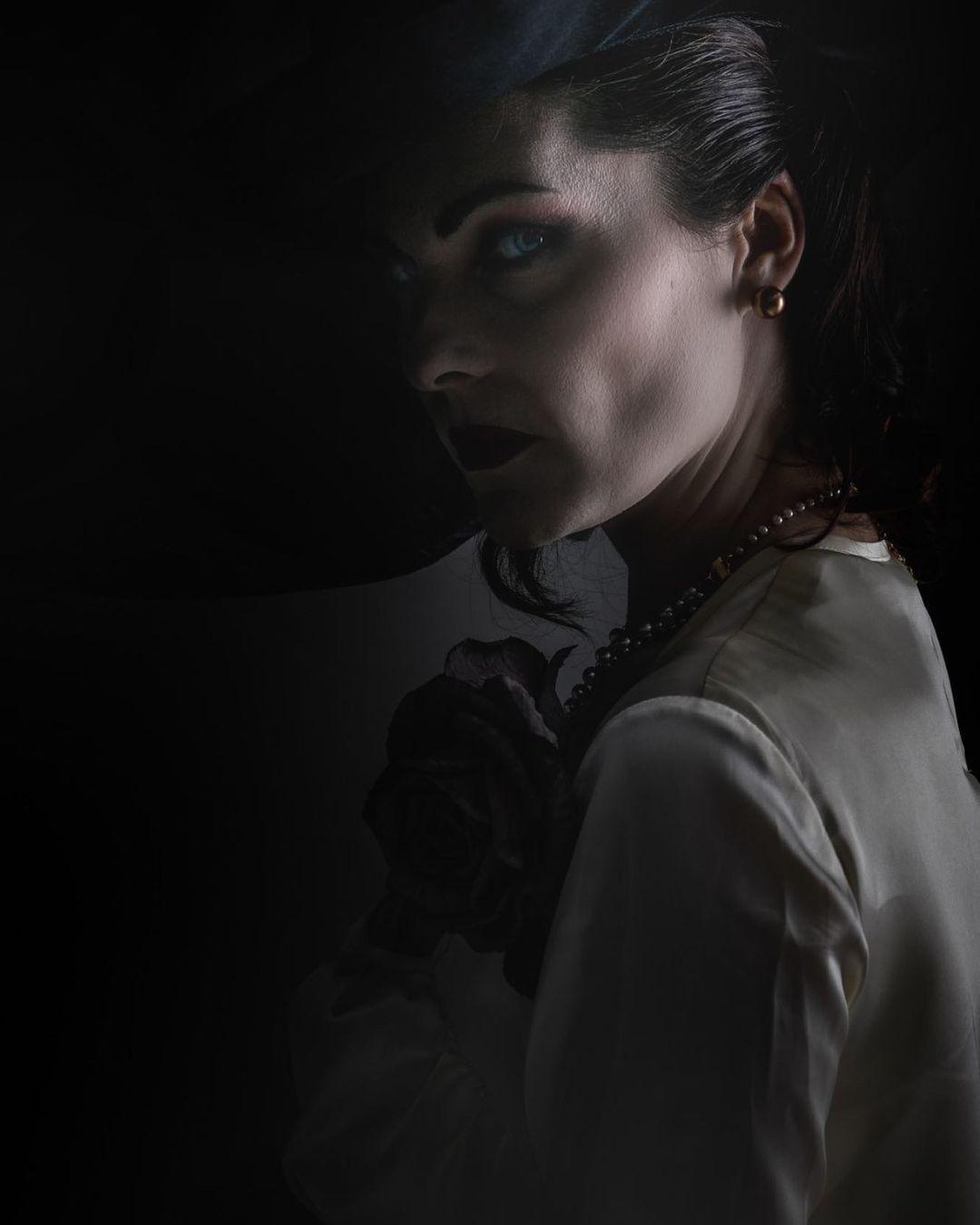 Lady Dimitrescu resident evil village actriz helena mankowska cosplay