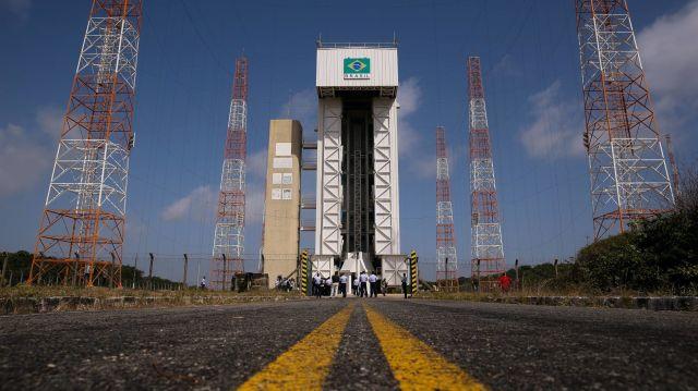 Brasil logra acuerdo para impulsar su industria espacial