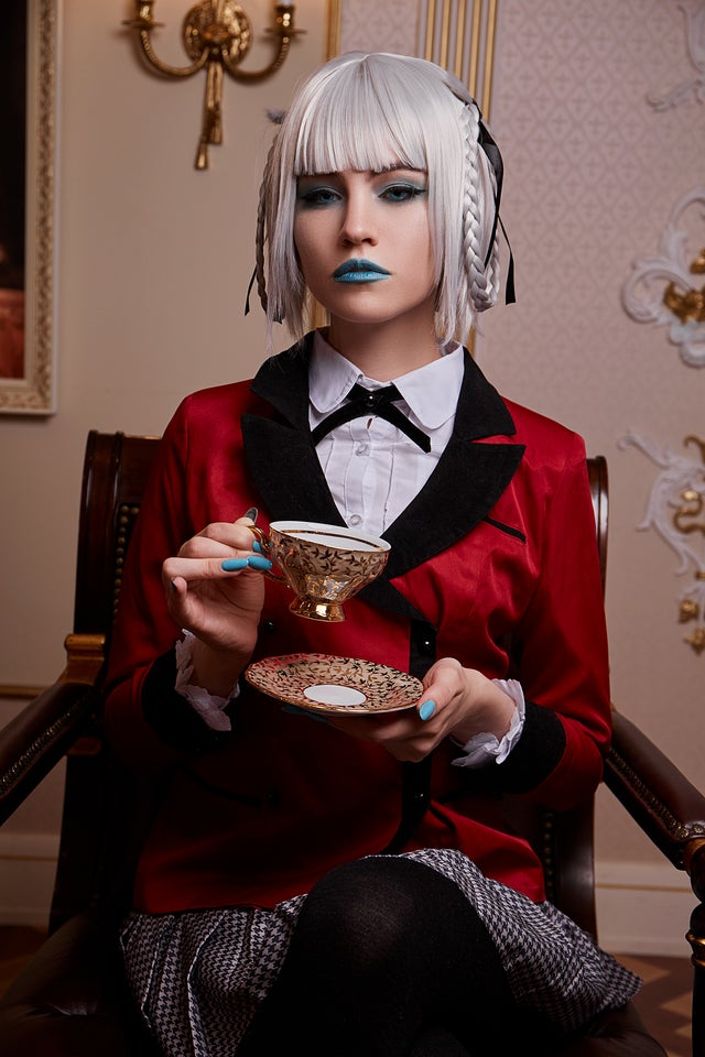 Kakegurui: Chica realiza un sorprendente cosplay de Kirari Momobami