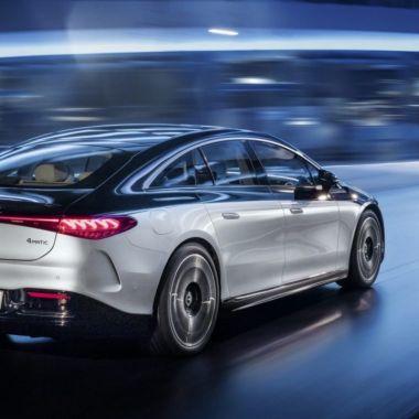Mercedes benz compañía eléctrica