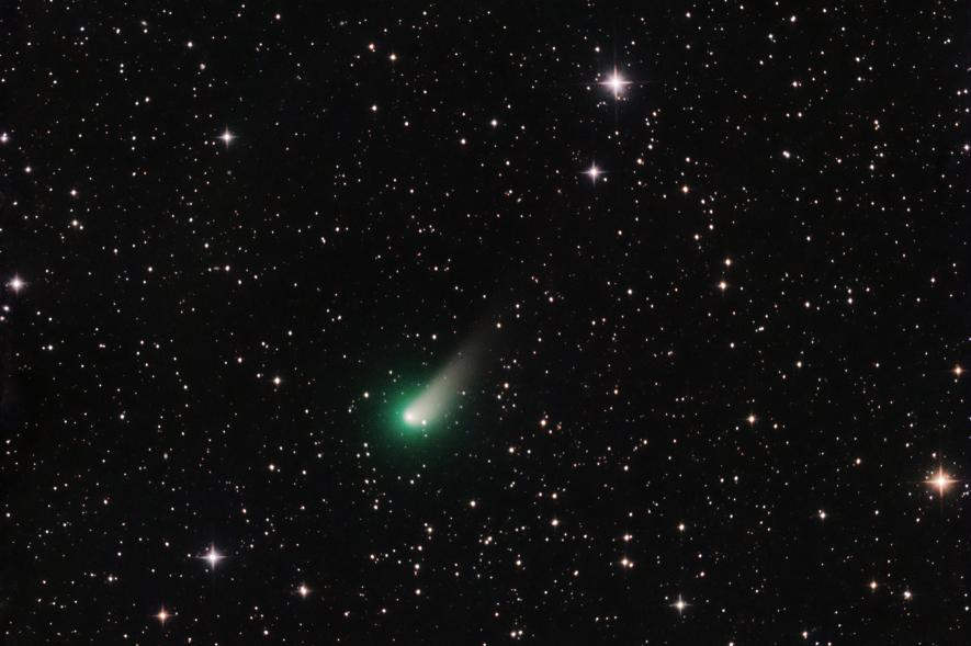 El cometa Johnson, fotografiado el 26 de marzo, mientras se dirigía cerca de la Tierra.