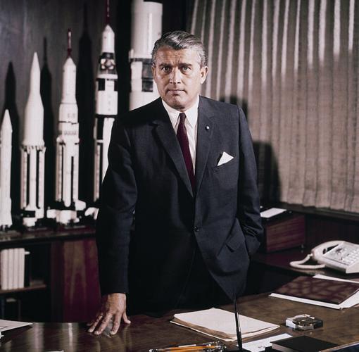 El 1 de mayo de 1964 Von Braun se convirtió en director del Centro de Vuelo Espacial Marshall de la NASA