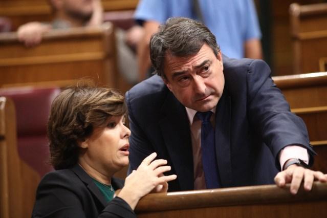 Rajoy salva la legislatura gracias al PNV