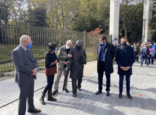 Estatua de Delibes inaugurada en Valladolid / Fuente: EFE