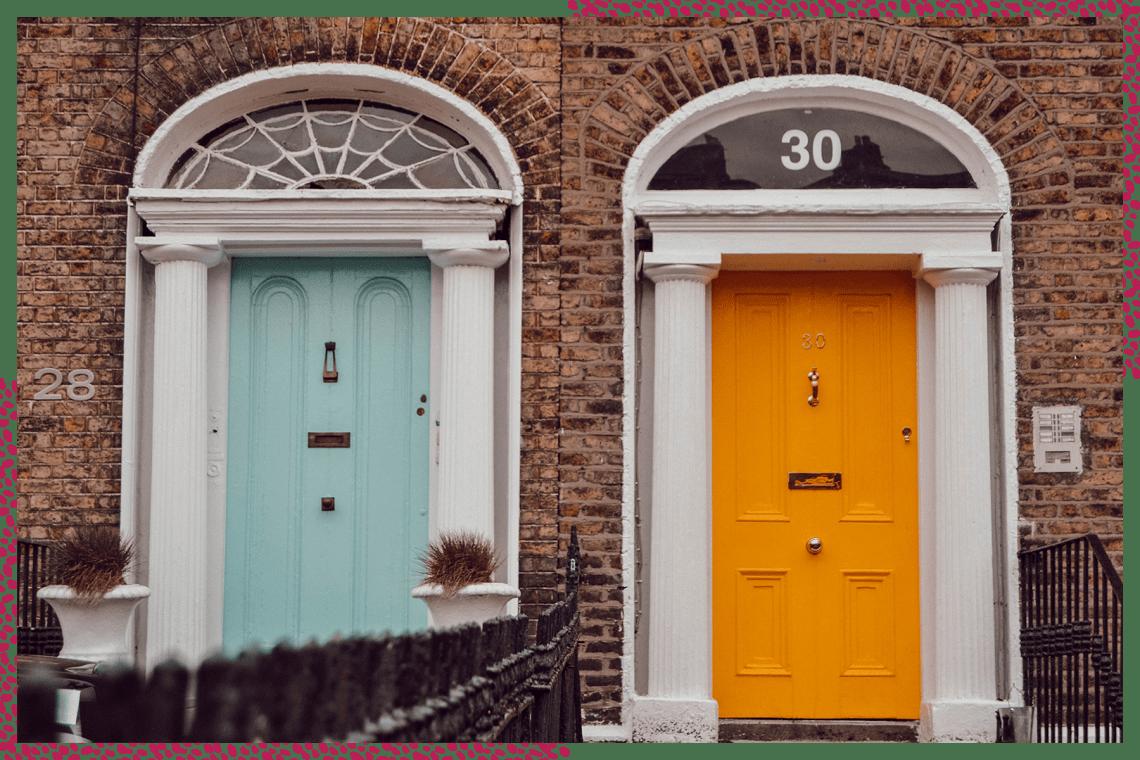 Les portes colorées à Dublin en Irlande
