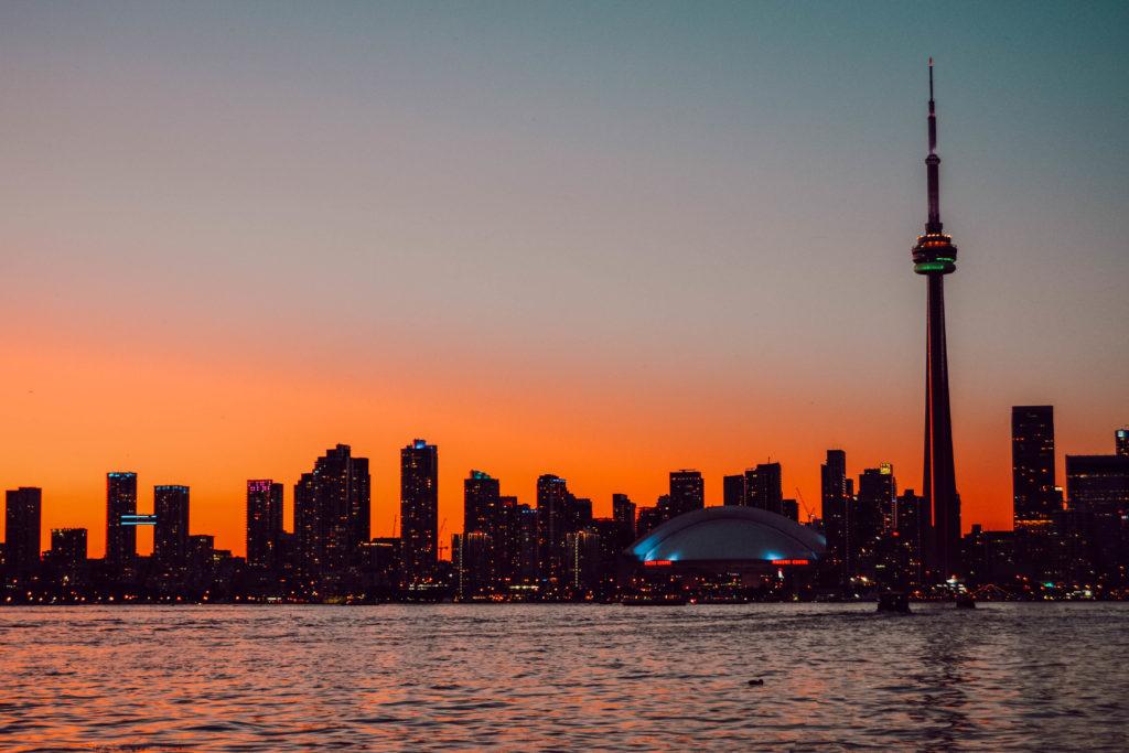La skyline de Toronto au coucher de soleil