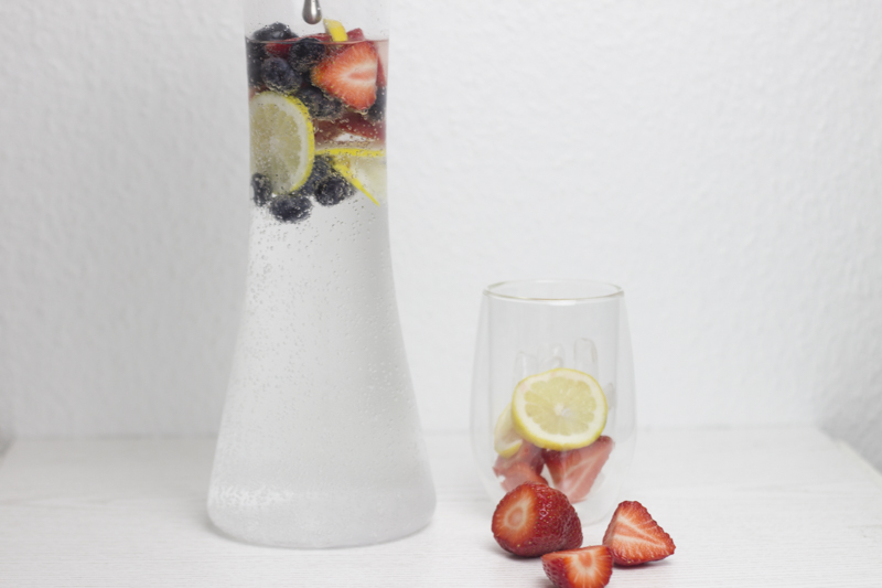 cool summer drinks - infused water - coeurdelisa