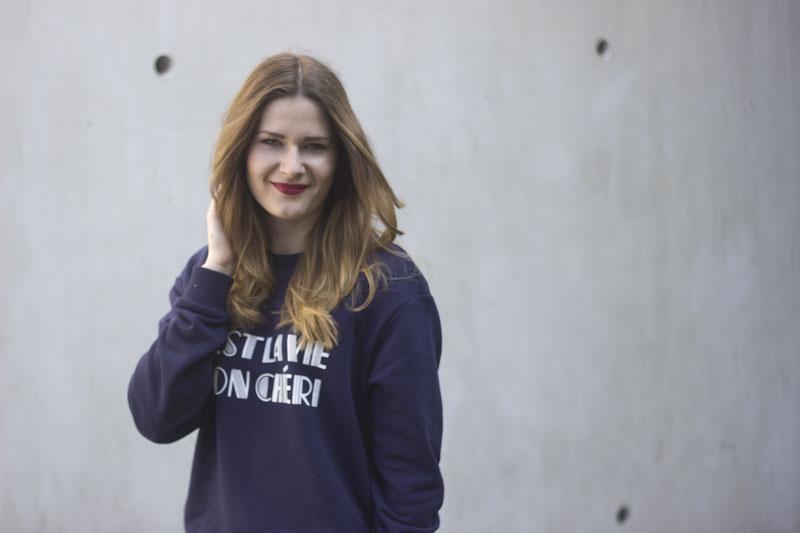 outfit sweater c'est la vie mon chéri