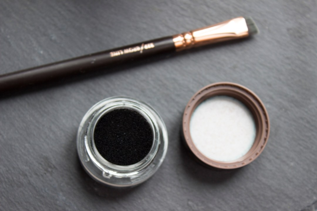 essence Cubanita Eyebrow Cushion