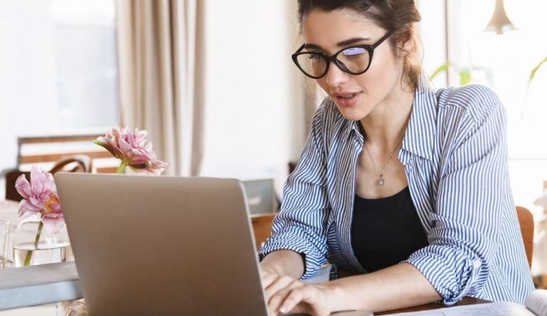 women in business working from home