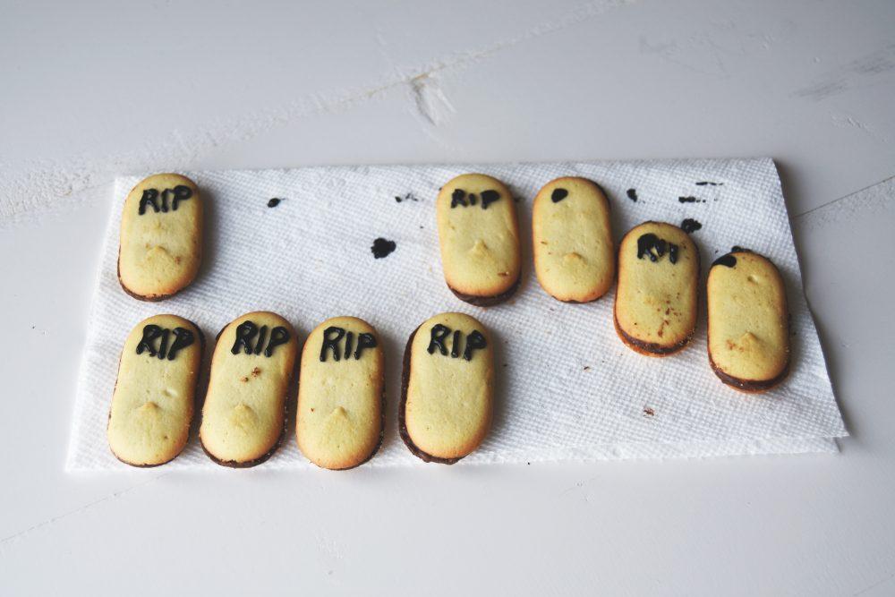RIP cookies for graveyard brownies