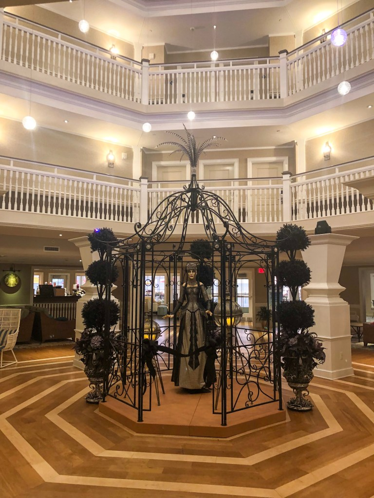 Hotel Breakers Halloween decorations