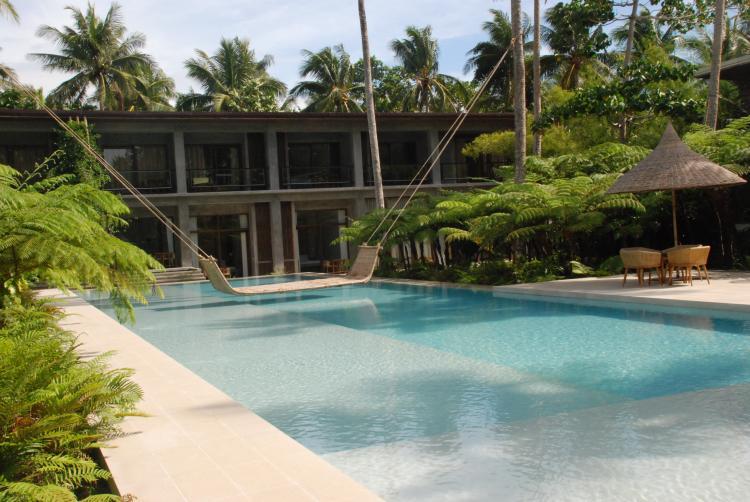 Hotel pool, Sorgoson