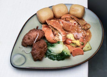 Escape Restaurant & Lounge - Interactive Kitchen Food Spread