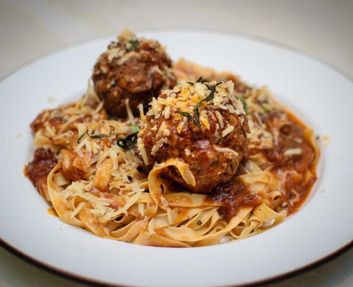 Pastaria Abate — Tagliatelle With Italian Meatballs