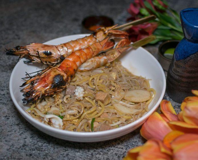 Le Binchotan: Supper—Hokkien Mee with Binchotan-Grilled Tiger Prawns