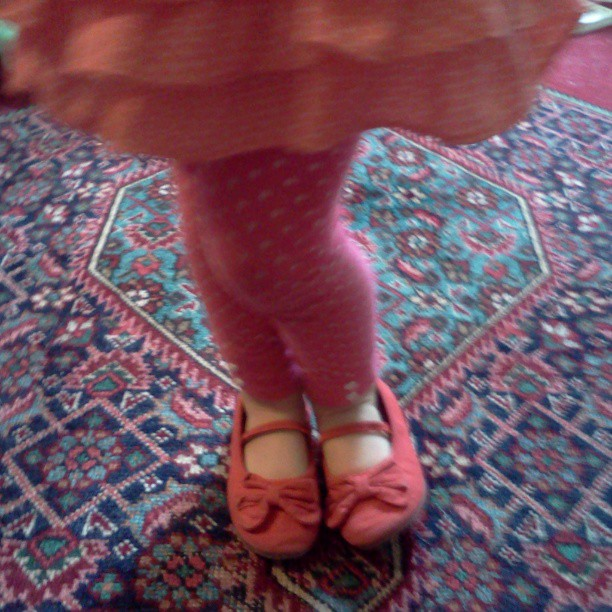 orange dress, pink pants, red shoes, ZERO hesitation.