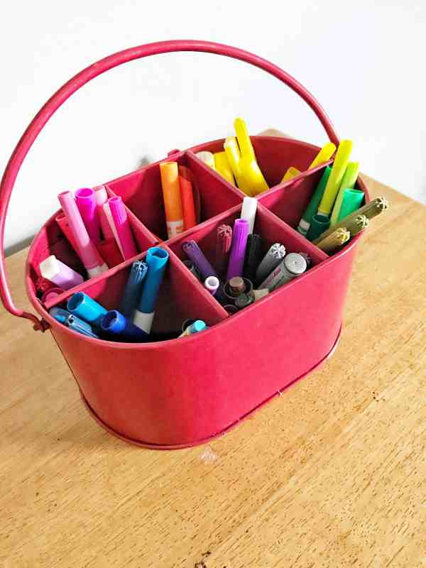 How to organize a kids art room #inexpensive #diy #kidsspaces