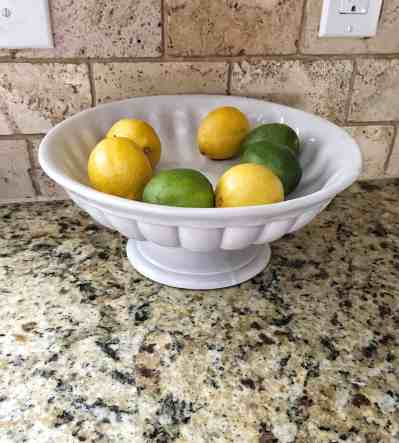 Farmhouse kitchen essentials: Fruit display