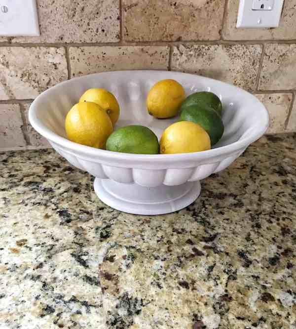 Farmhouse kitchen essentials: Fruit display