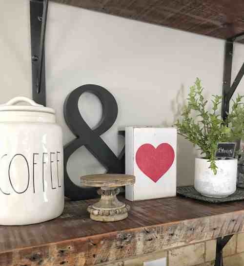 Valentine's Day Farmhouse Decor