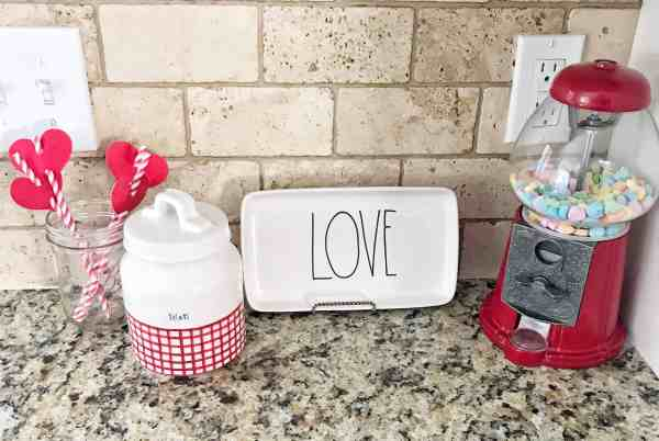 Favorite Valentine's Rae Dunn Finds