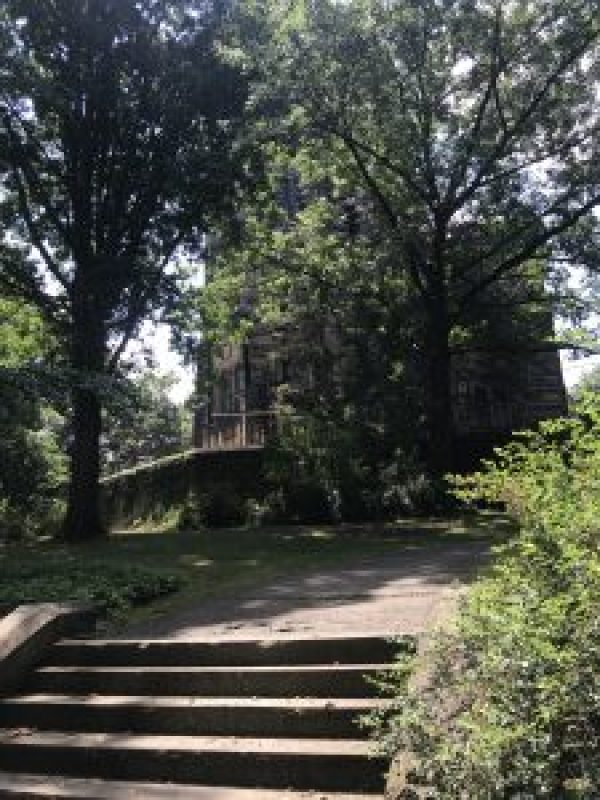 What to do at Lakeview Cemetery