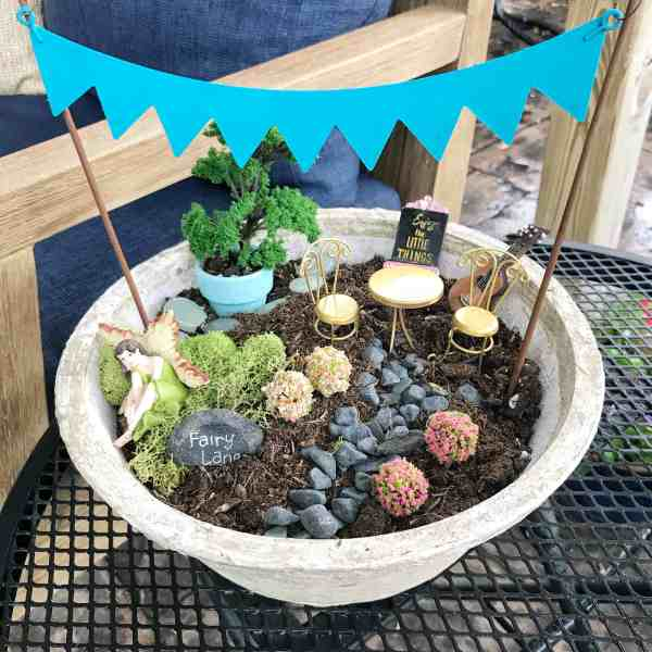 How to Create a Tabletop Fairy Garden #tips #inexpensive #diy