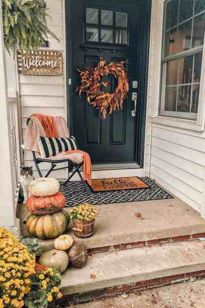 Small Fall Front Porch Decor Ideas