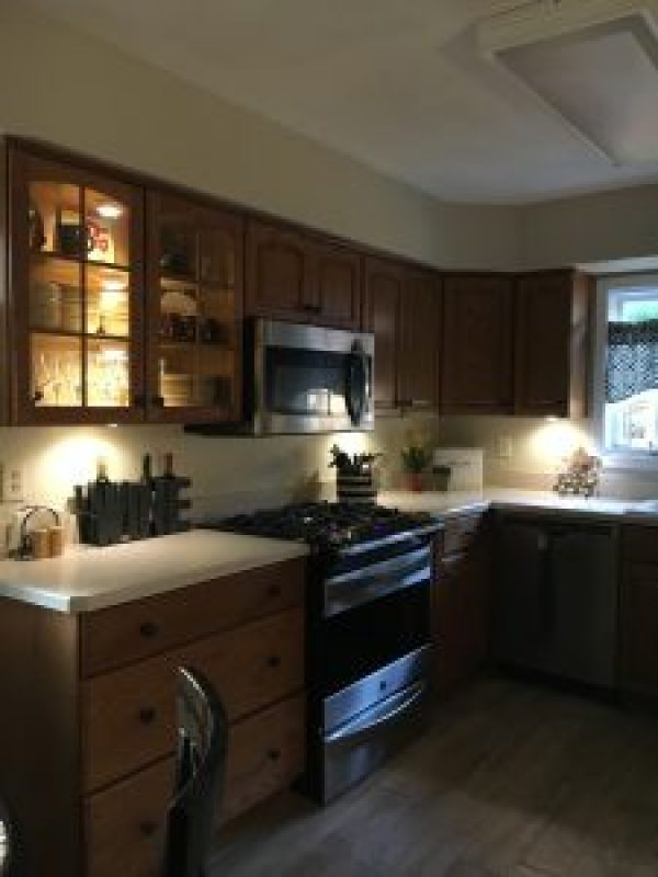 Magic light trick for undermount lighting #diy #budget #kitchenlighting