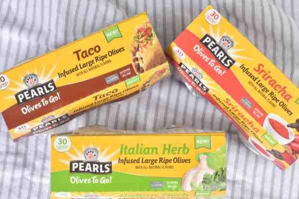 Healthy Snack Box Ideas #onthegosnacks #makeaheadsnacks #healthysnacks#healthyeating