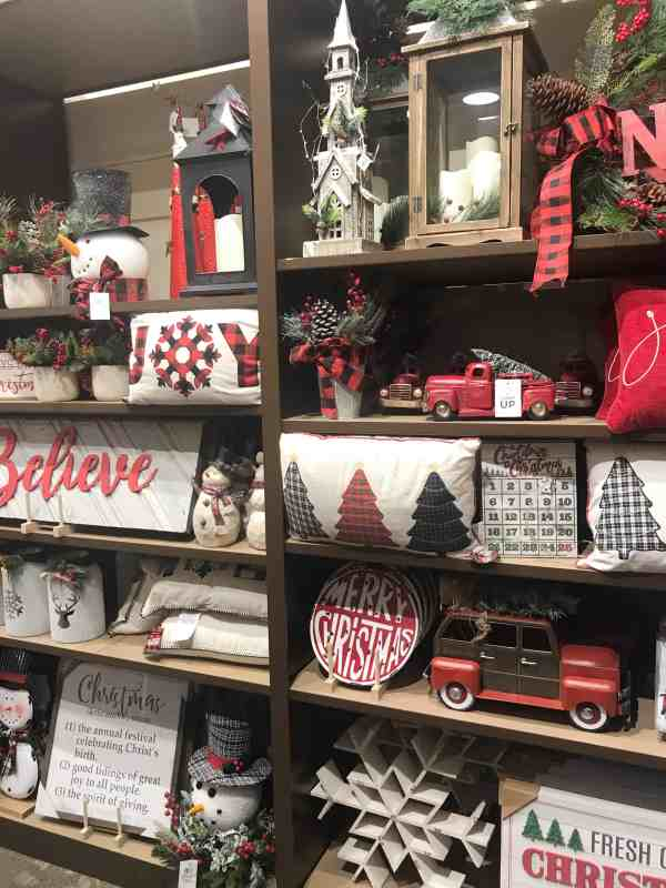 Farmhouse Style Christmas Decor #inspiration #homedecor #buffalocheck #signs #pillows