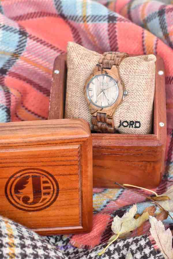 Gift Ideas for Him #watches #timelessgifts #giftsforhusband