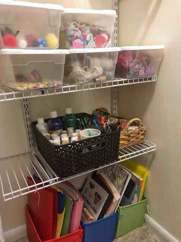 Easy Ideas for Organizing Kids Crafts #organization #artsandcrafts #storage