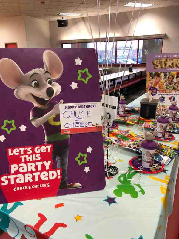 Birthday Parties at Chuck E. Cheese's #games #prizes #party