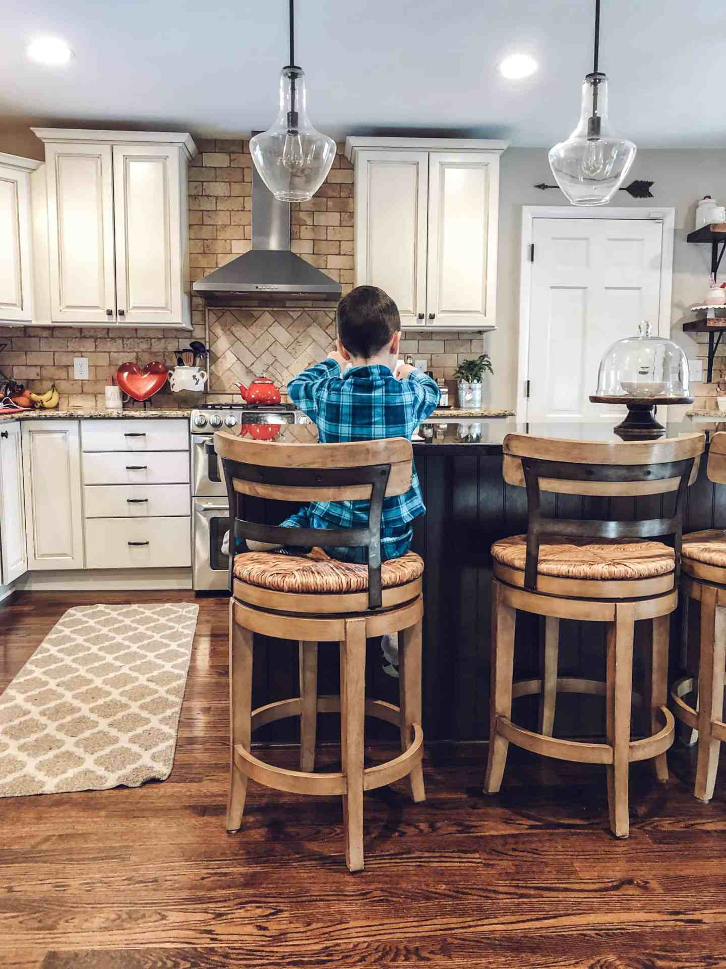 Mom Blogger sharing her life from her farmhouse style home #mommyblogger #farmhousekitchen #lifestyleblogger