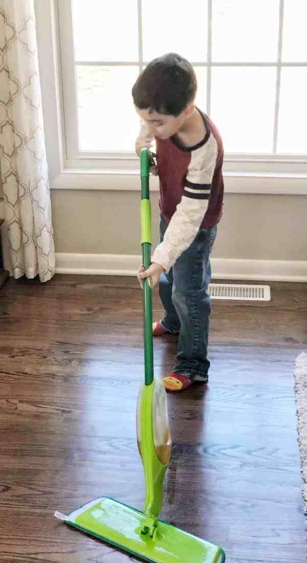 Spring Cleaning Checklist #floorcare #sponsored #mop #hardwoodfloors #washingfloors