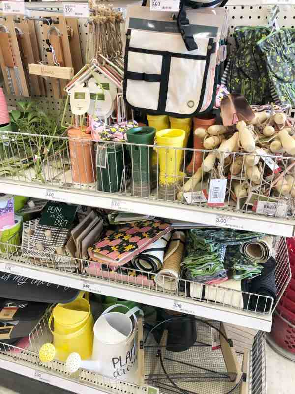 Garden Themed Decor Ideas #target #inexpensive #outdoordecor #gardening