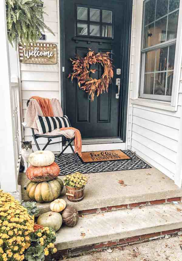 Fall Front Porch Decor Ideas #diy #farmhouse #fixerupper