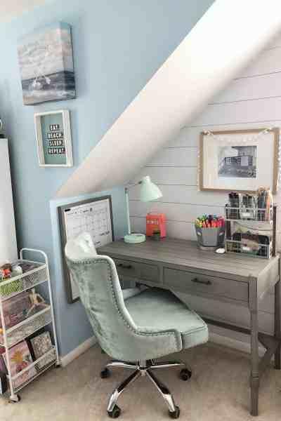 Tween girl desk inspiration