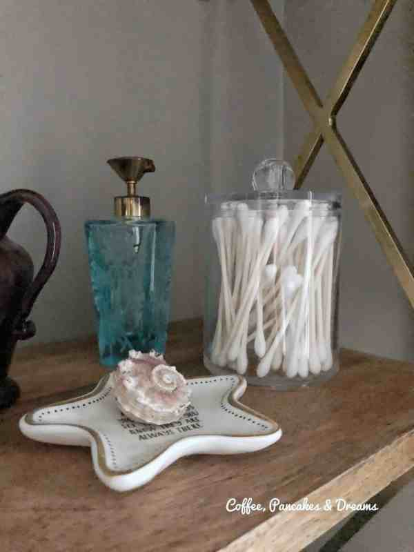 How to arrange bathroom shelving #perfume #organizationideas #openshelves #storage