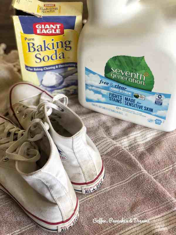 How to Clean Converse Shoes #recipe #ingredients #diy #canvasshoes