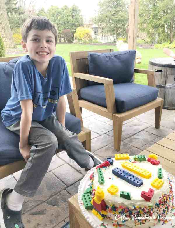 Lego birthday ideas for tweens #legos #partyides #legocake