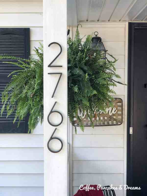 How to add curb appeal with metal address numbers #porchdecor #outdoordecor #frontporch